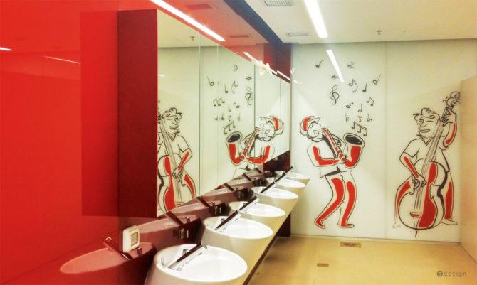 עיצוב גרפי לקירות שירותי גברים